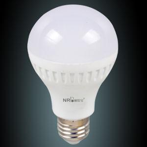 7W Plastic Snow White LED Bulb Lamp