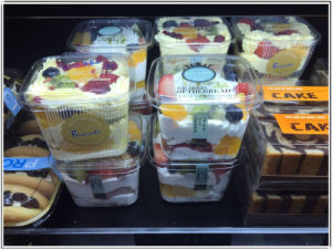 Custom plastic ice cream container (PP box) pictures & photos