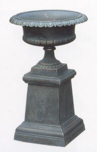 Cast Iron Urn on Pedestal pictures & photos
