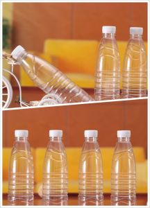 Semi Auto Plastic Pet Bottle Blow Machine for Sale pictures & photos