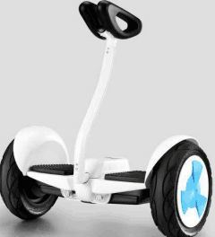 White Color Handle Electric Mobolity Scooter pictures & photos