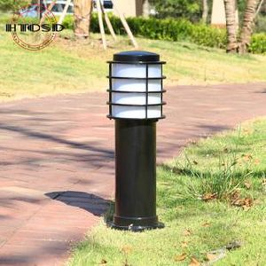 Outdoor Waterproof IP65 Solar Garden Lights with Long Time Service Life pictures & photos