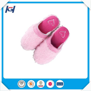 Hot Selling Soft Warm Lady Fuzzy Bedroom Slippers pictures & photos