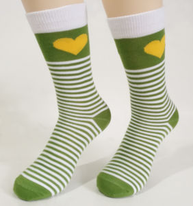 Popular High Quality Custom Wholesale Contrast Color Strips Socks Women pictures & photos
