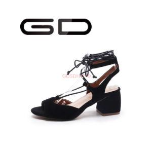 Ladies Lace up Flat Sandals pictures & photos