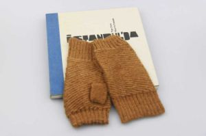 Stretchable Acrylic Warm Half Finger Gloves, Girls Fashion Accessory Knitting Gloves pictures & photos