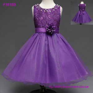 2017 Vintage Flower Girl Dresses for Weddings Red Custom Made Princess Sequined Appliqued Lace Bow Kids First Communion Gowns pictures & photos