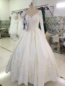 A Line Popular Sale Customize Delicate Wedding Dress pictures & photos