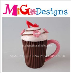 OEM Girl Gift Ceramic Cupcake Canister pictures & photos