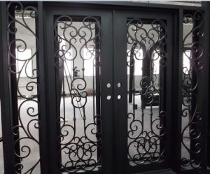 Flat Top Wrought Iron Double Entry Door with Side Lights pictures & photos