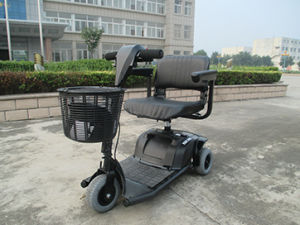 9′′ Electric Mobility Scooter with 450W Motor pictures & photos