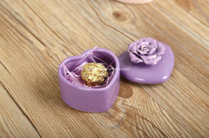 Colored Heart Shaped Ceramic Storage Box (CC-20) pictures & photos
