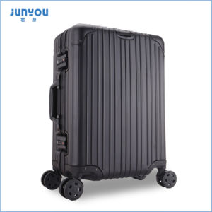 2017 New Design Fashion Aluminum Trolley Luggage pictures & photos