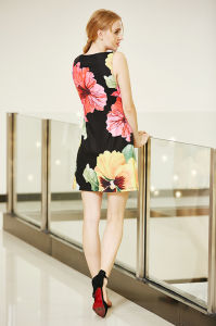 Latest New Fashion Digital Placement Printing Dress in Big Flower Pattern pictures & photos
