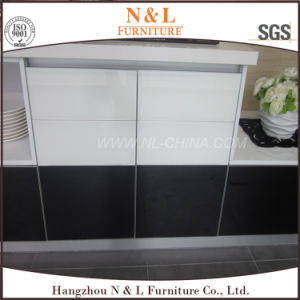 N & L Kitchen Cupboard High Gloss Customized Size and Color pictures & photos