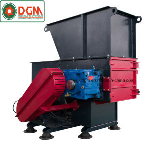 Compact Single Shaft Shredder for Shredding Wood 500kg Per Hour pictures & photos