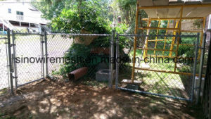 PVC Coated Welded Wire Mesh Chain Link Fence for Playground pictures & photos