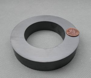 2017 Latest Factory Price Ferrite Magnet Ring pictures & photos