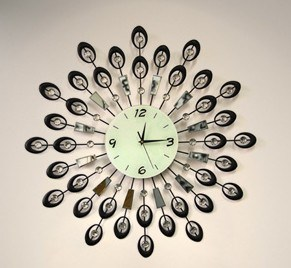 Beautiful Decoration Iron Wrought Wall Clock for Your Living Room pictures & photos