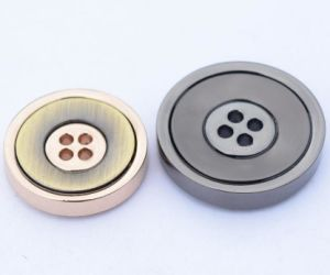 Manufacturer Lead and Nickle Free Cheap 4 Holes Button pictures & photos