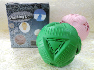 Eco-Friendly Washing Ball/ Laundry Ball pictures & photos