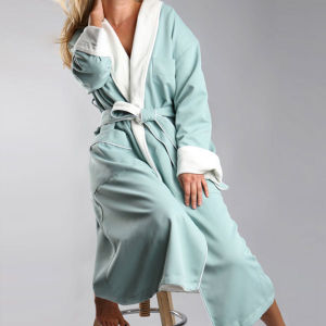 Lined Peached Microfiber Fabric with Inner Terry Shawl Bathrobe pictures & photos