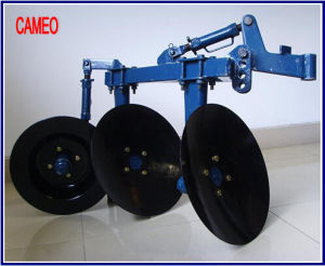 Disc Plough Disc Harrow Tractor Plough Tractor Harrow Tractor Accessories Tractor Implement Disc Plough pictures & photos