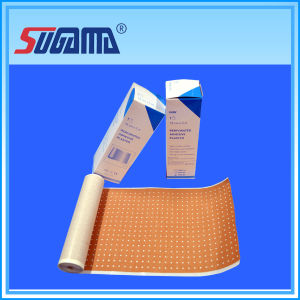 Medical Skin / White Aperture Adhesive Plaster pictures & photos