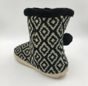 Lds Winter Indoor Knit Boots with Pompom pictures & photos