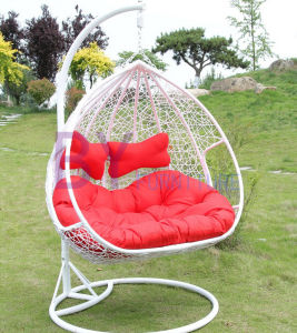 Comfortable PE Rattan Garden Swing Chair pictures & photos