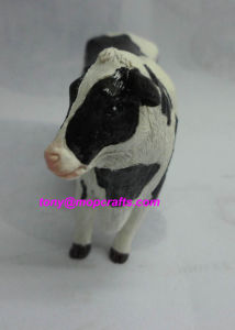 Polyresin Cow Statue pictures & photos