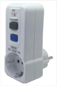 Italy 250V RCD Portable Adaptor pictures & photos