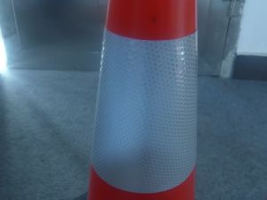 Competetive Price Interlocking PE 500mm Traffic Cone pictures & photos