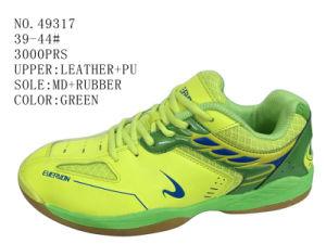 Green Color Men Soccer Shoes pictures & photos