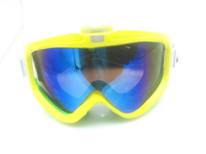 High Quality Good Design Ski Goggle with Revo Lens pictures & photos