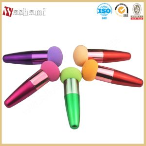 Washami Best Selling Makeup Sponge Cosmetic Powder Puff with Handle pictures & photos