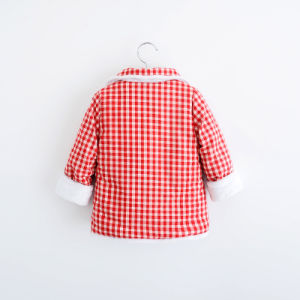Girl Plaid Cotton Coat with Double Pockets for Kids Clothing pictures & photos