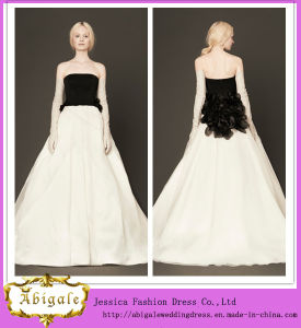 Upper Body Black and White Taffeta Floor Length Hand-Made Flower Strapless Zipper Back a-Line Wedding Dress (AM 0004)