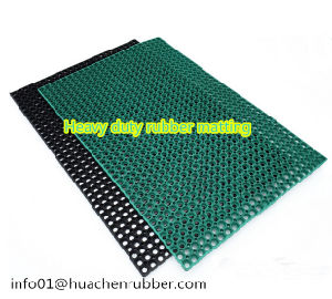 High Quality Anti Slip Grass Rubber Flooring/Outdoor Rubber Matting pictures & photos