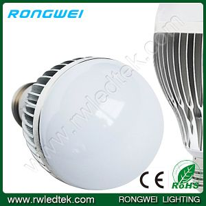 High Quality 9W E27 3014 CREE LED Bulb Light with CE and RoHS