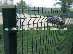 Galvanized and PVC Coated Mesh Fence (factory) pictures & photos
