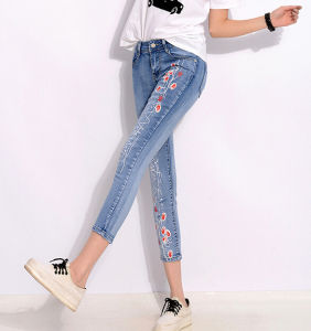 Summer Style Fashion Women Denim Jeans Flower Print Nine Skinny Jeans pictures & photos