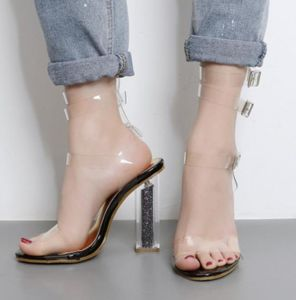 Clear Ladies High Heeled Fashion Sandals (HT-S1003) pictures & photos