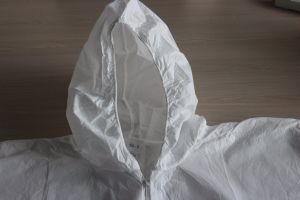 Sf Nonwoven Disposable Coverall Used for Industrial Protection pictures & photos