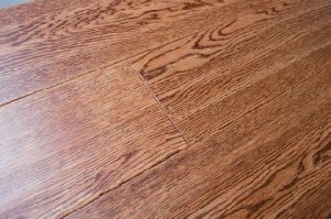 Oak Three Layer Solid Wood Flooring-Handscraped-Gunstock Color pictures & photos
