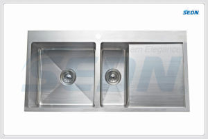 Handmade Double Bowl Stainless Steel Sinks with Drainer (Sc4002L pictures & photos