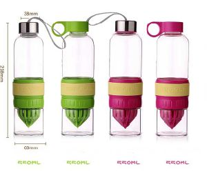 Hot Sale! Beautiful Color Lemon Juicer PC Bottle pictures & photos