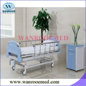 Two-Function Manual Hospital Bed pictures & photos