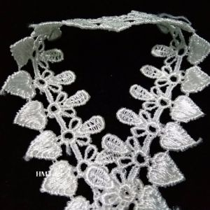 Thin Small Lace Trim Hm Lace Factory Latest Design Embroidered Lace Trim pictures & photos