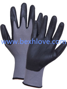 13 Gauge Nylon/Spandex Liner, Nitrile Coating, Micro-Foam Finish Safety Gloves pictures & photos
